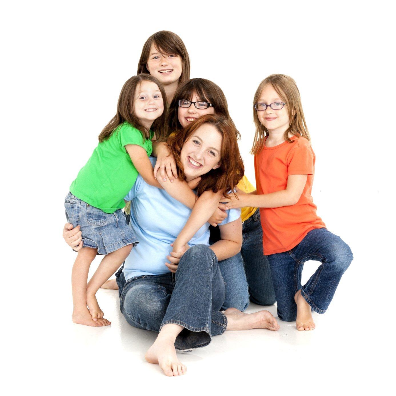 Увольнение многодетной матери: процедура, документы, образцы