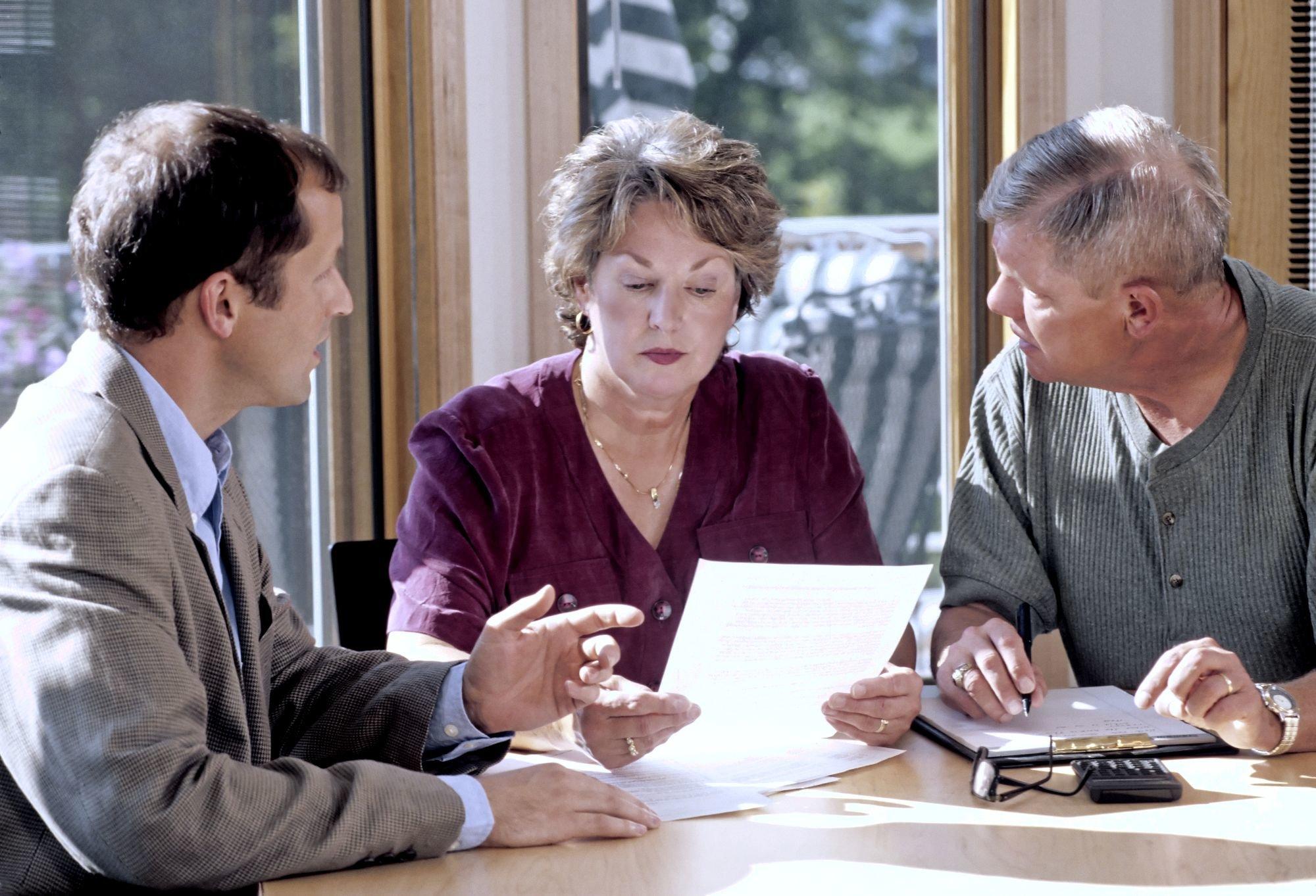 Можно ли оспорить завещание на наследство по закону в суде?